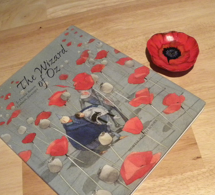how to put on a paper poppy