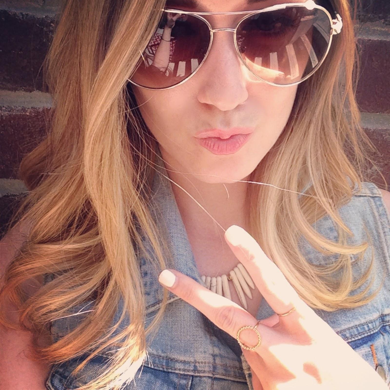 girl 👧 magic ☄ selfie time smile hair lipstick makeup