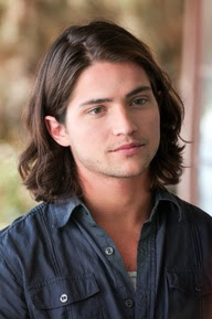 Thomas McDonell, saga Hush, hush