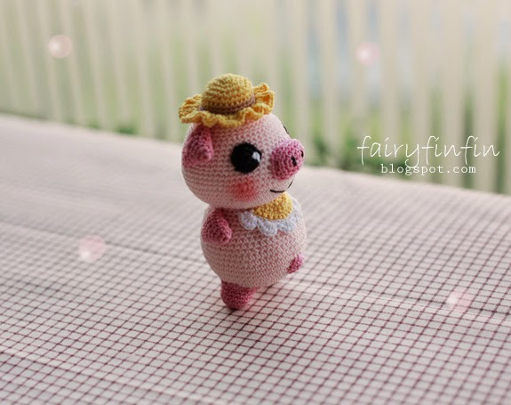Cute Amigurumi Pigs : FairyFinFin: Cute Crochet Pig Dolls, Cute Amigurumi Pig Dolls.