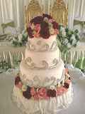 Four tiers wedding cake
