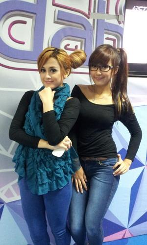 Foto Hot Duo Walang Sangit