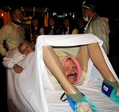 Funny and Unique Halloween Costume Pictures Broken Dreams: