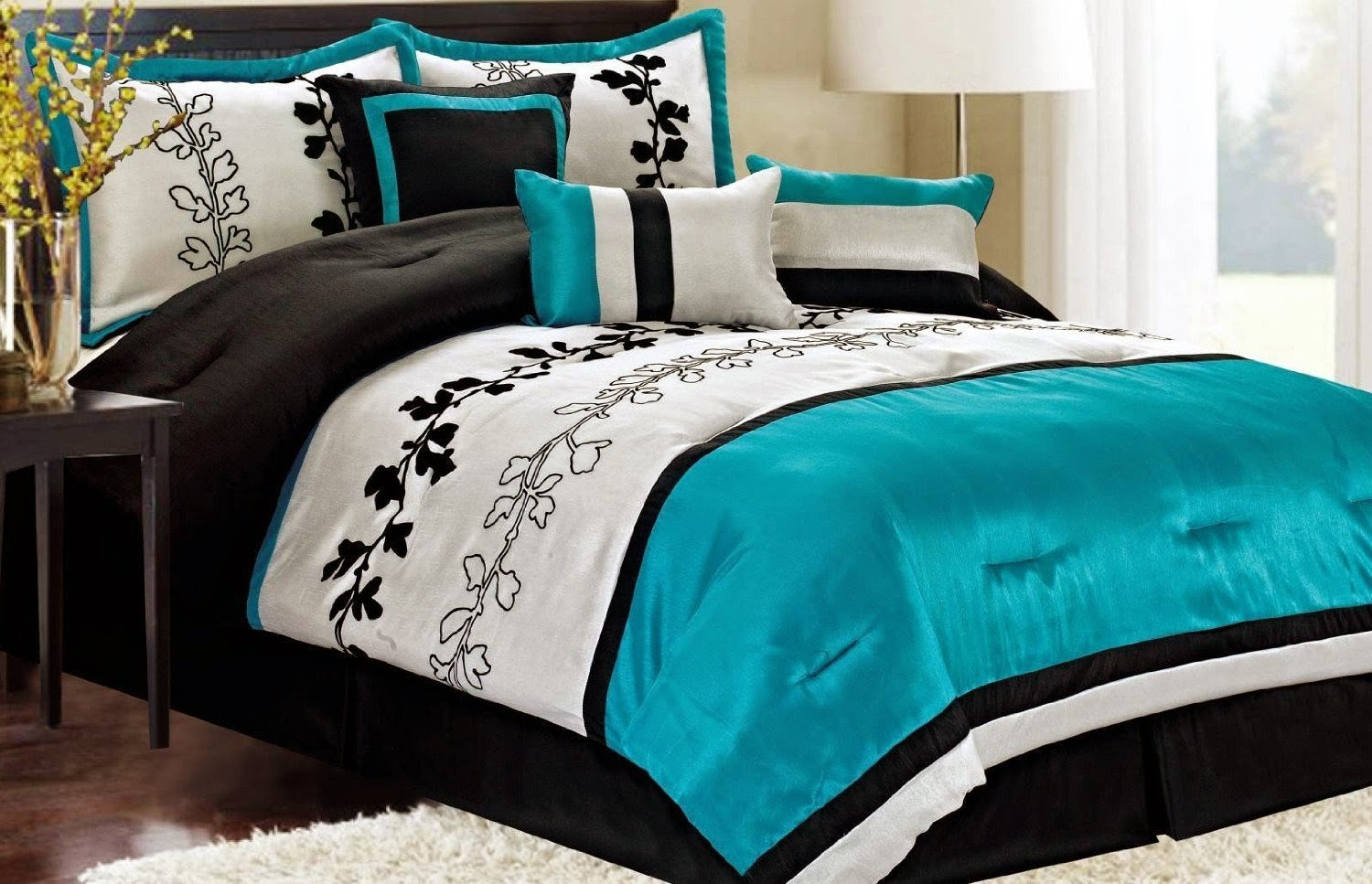 Beautiful enticing floral pattern turquoise bed sheet in casual