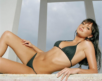 Holly Valance Bikini Photo Shoot