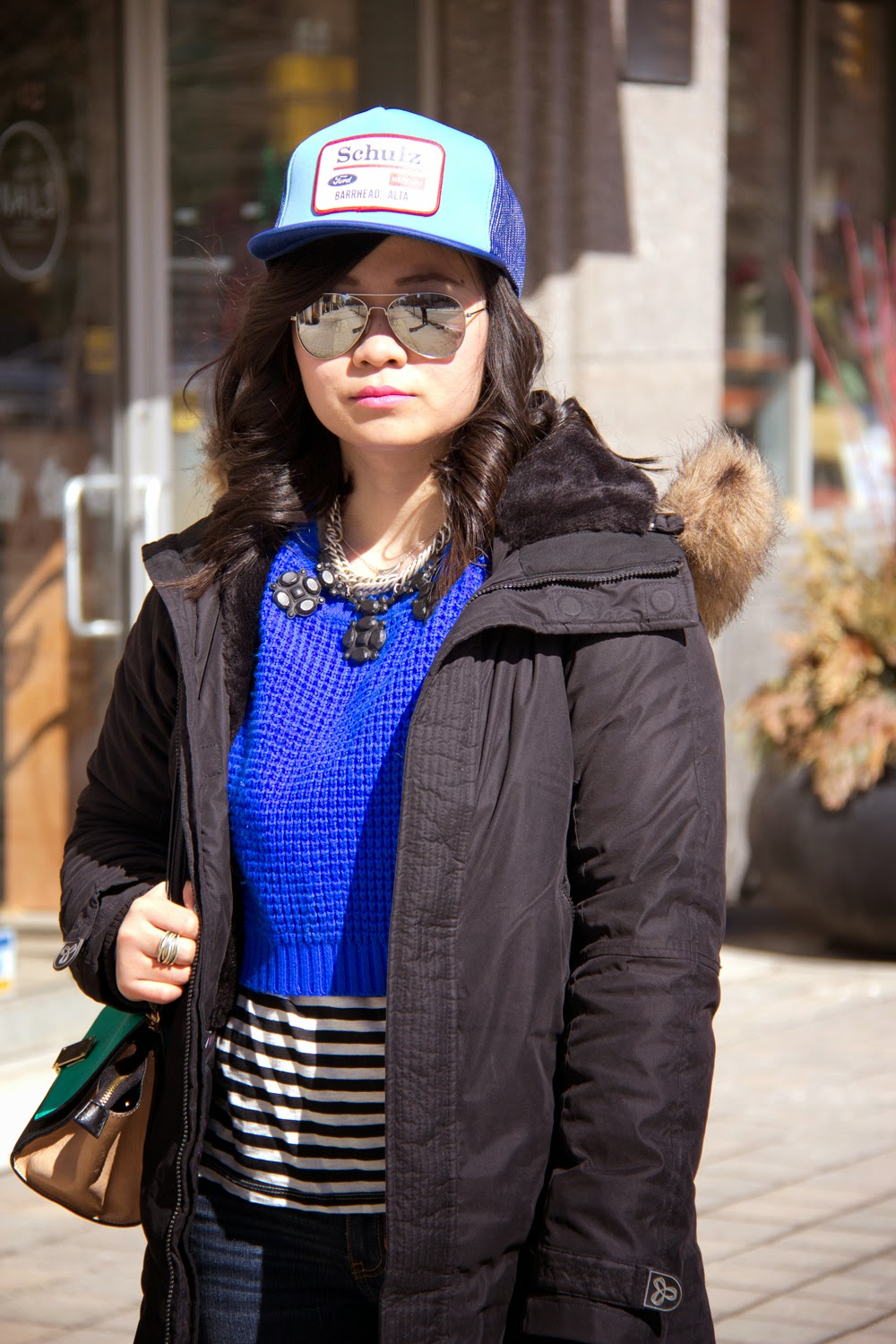 baseball-Cap, Street-Style, Neon-Blue-Crop-Top-Knit-Sweater, shades-sun-glasses