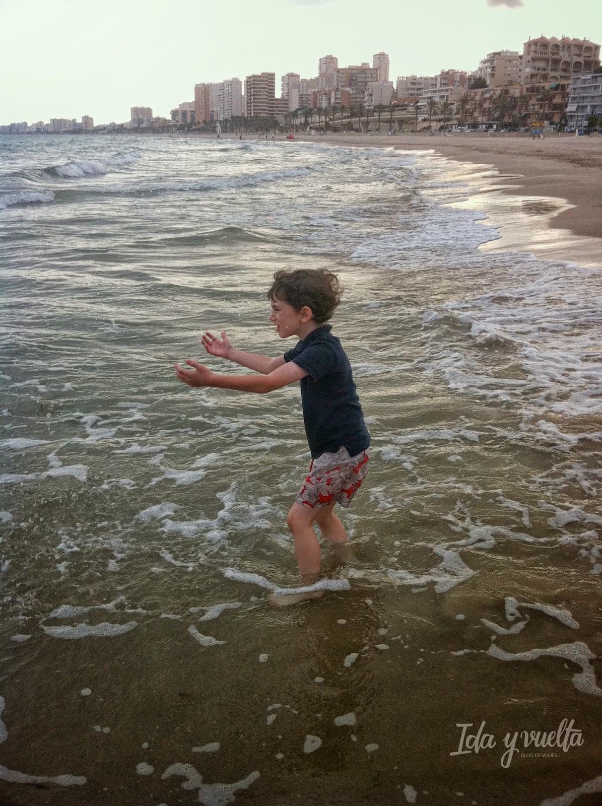 Javier en el mar de otoño