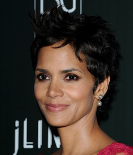 Short Pixie Haircuts for Women 19