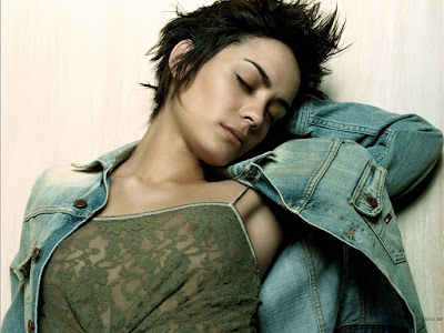 Shannyn Sossamon Sexy Wallpaper