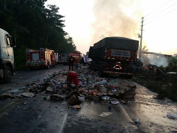 VÍDEO: Acidente entre caminhão e carreta deixa mortos na Alça Viária, no Pará