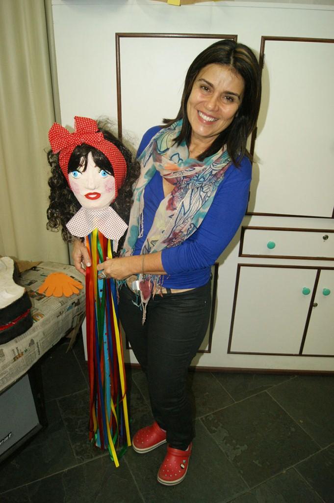 Professora Adalgisa de Carvalho apresenta propostas pedagógicas para serem trabalhadas com os alunos das oficinas