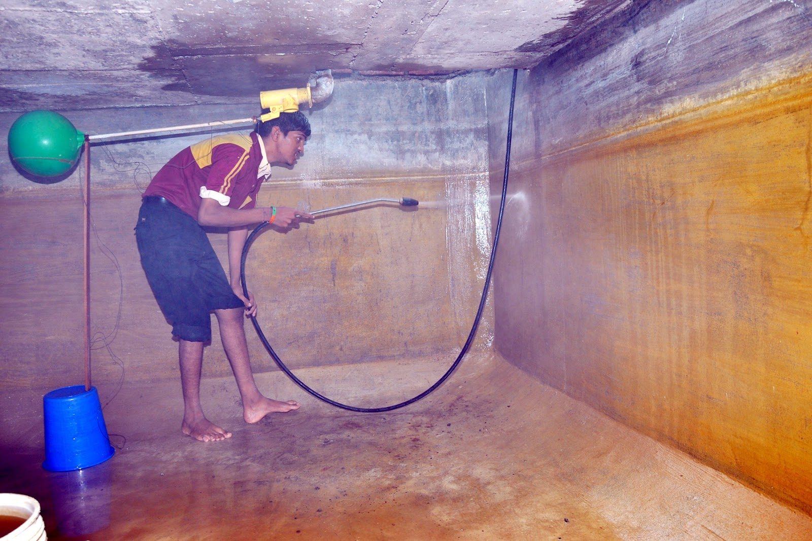 Water Tank Cleaning : Water tank cleaning services pune