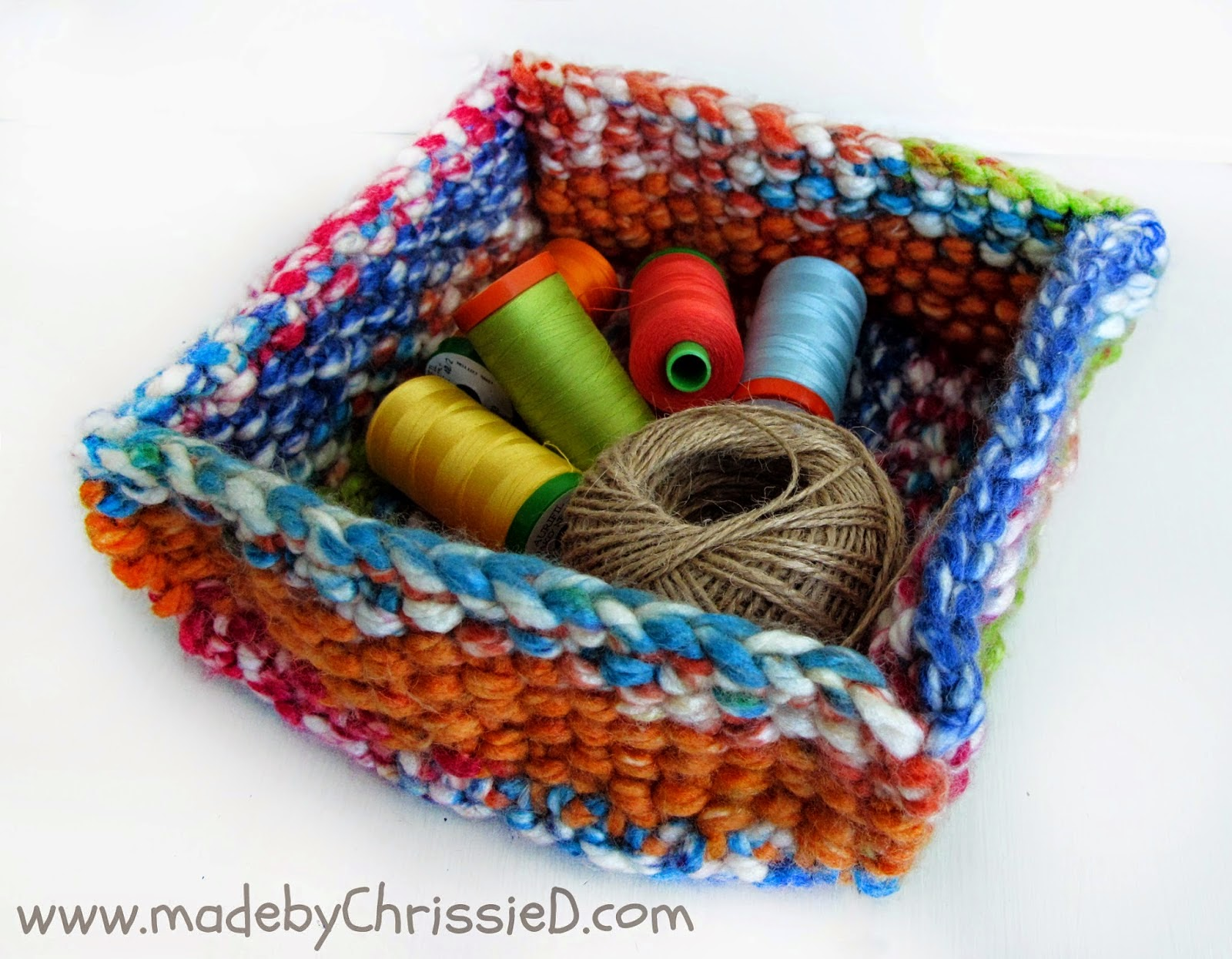 http://madebychrissied.blogspot.com/2015/03/Knitted-Tray-Tute-A-Great-Gift-Idea.html