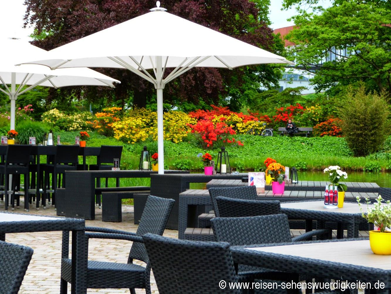 Planten un Blomen - Schönster Park in Hamburg, Cafe - Terrasse