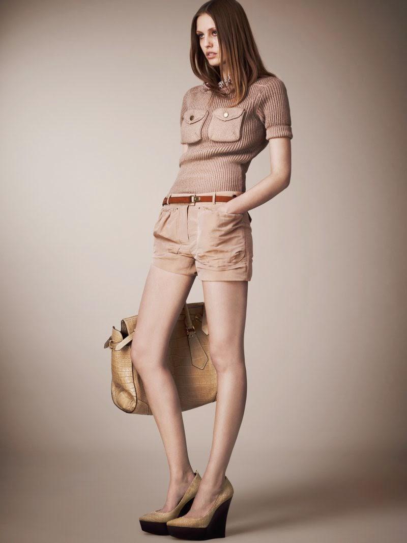 pakaian wanita dewasa
