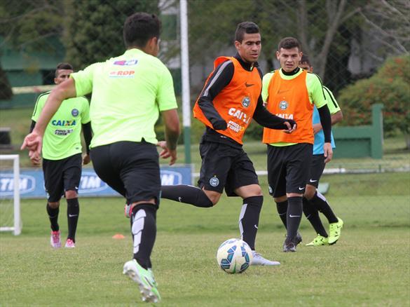 Coritiba precisa da vitória diante da Chape para se reerguer no Brasileirão (Divulgação/Coritiba)