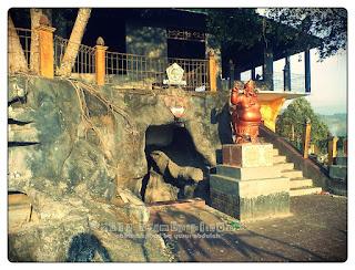 Goa K.Ratu Kencono Sari Selo Belah