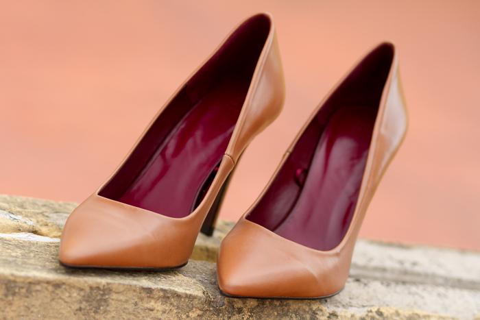 Zapatos Salón de cuero piel napa color marrón y tacón alto fino de Zara Colección Adicta a los Zapatos Blogger