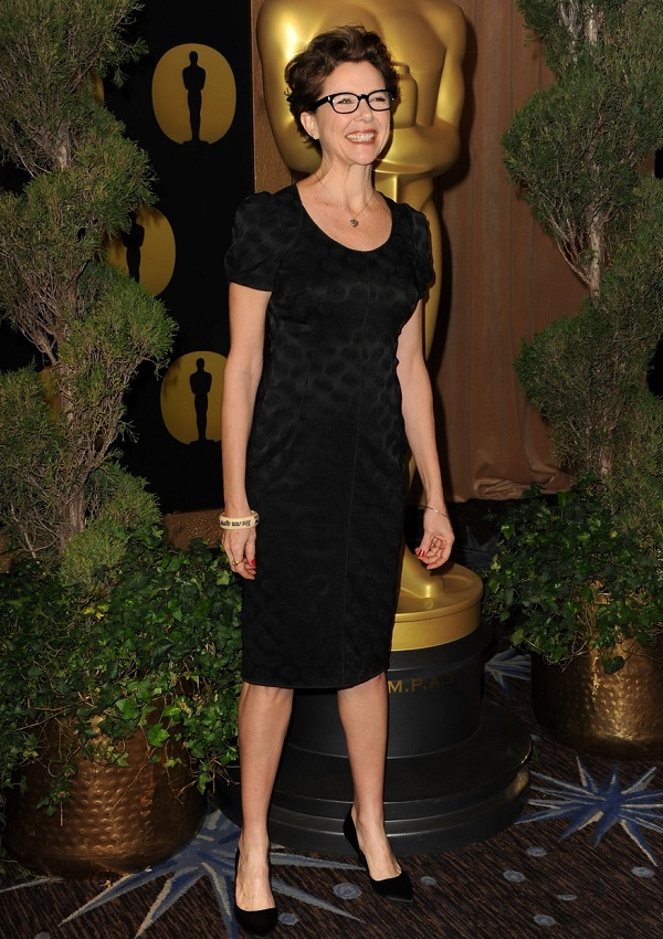 celebrity heights how tall are celebrities heights of celebrities how tall is annette bening. Black Bedroom Furniture Sets. Home Design Ideas