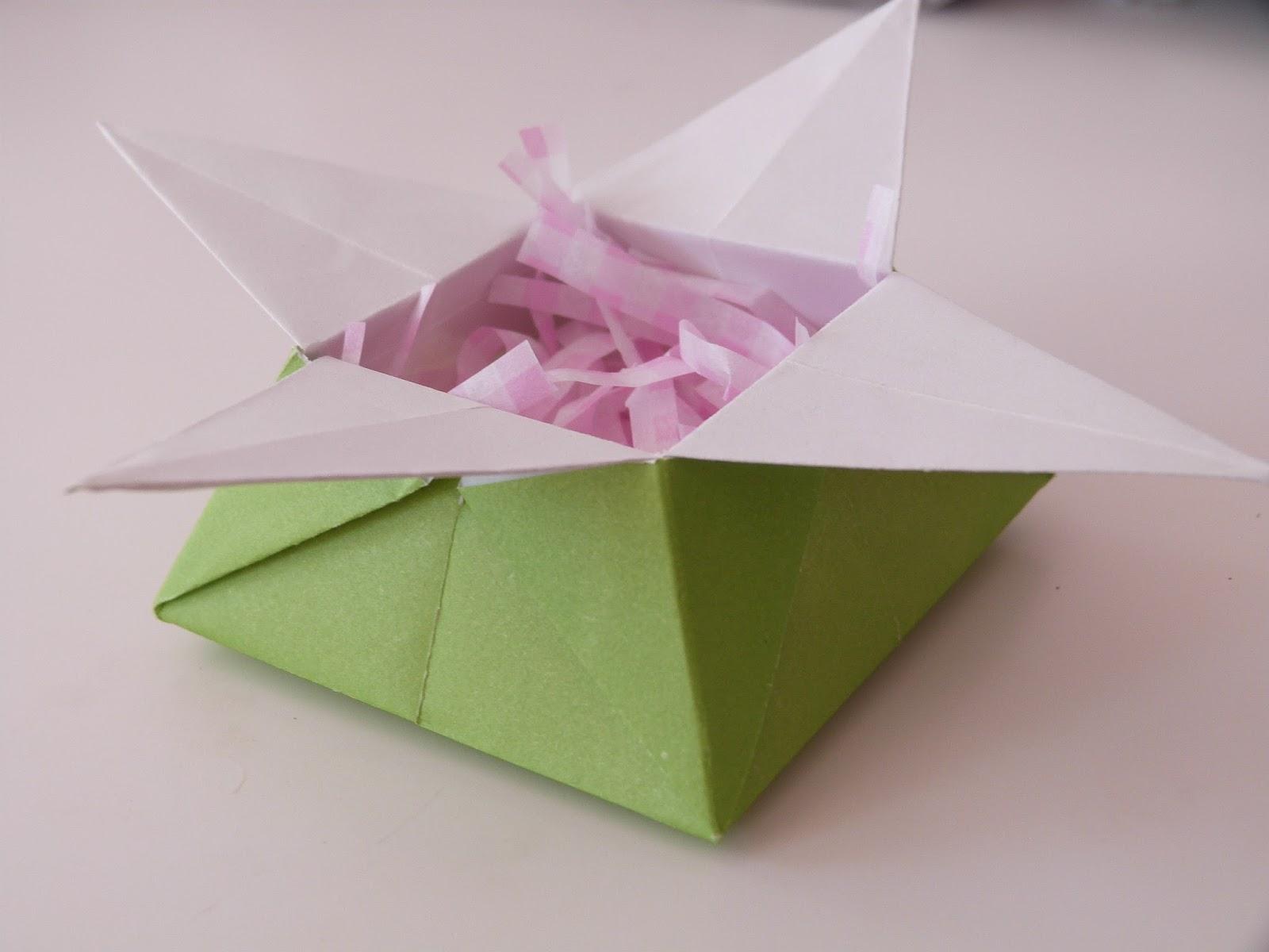 MiniManleySings: Origami Gift Boxes - photo#39