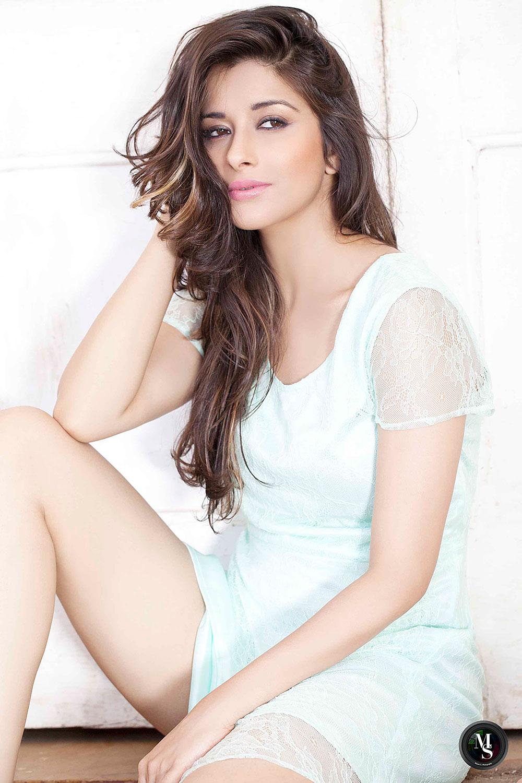 Madhurima latest hot gorgeous photo shoot