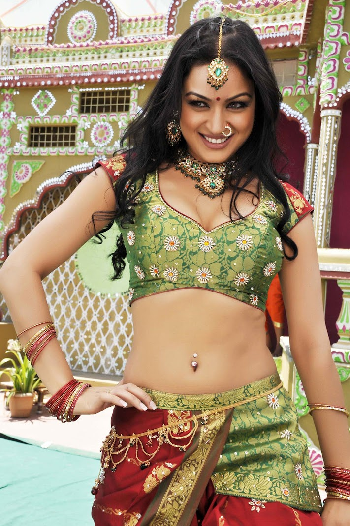 Maryam Zakaria Hot Pics