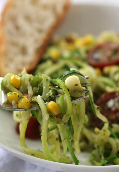 Featured Recipe | Spiralized Zucchini with Pesto, Tomatoes, & Corn from Mother Would Know #SecretRecipeClub #recipe #vegetarian #zucchini