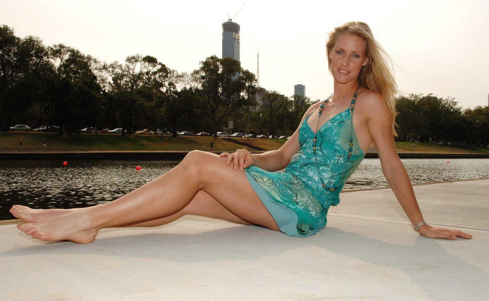 http://4.bp.blogspot.com/-d3hHv8ocM7I/UJJ5JzwqLxI/AAAAAAAAEYI/vqY4HGnGetc/s1600/Elena+Dementieva.jpg