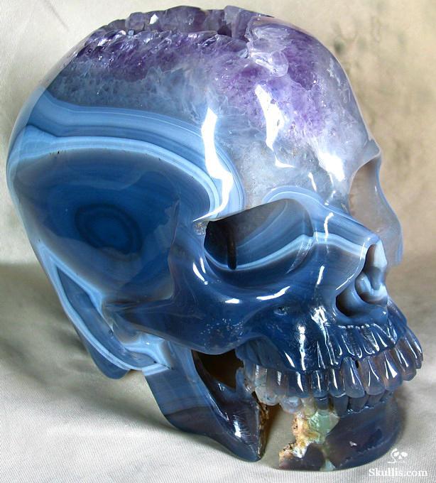 07-Amethist-and-Agate-Skullis-Crystal-Skulls-Gemstone-Sculptures-and-Jewelry-www-designstack-co