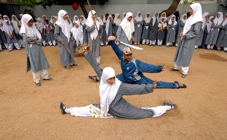 remaja jilbab cantik