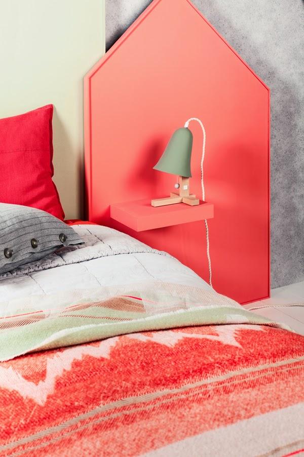 atelier rue verte le blog diy une t te de lit et sa table de nuit incorpor e. Black Bedroom Furniture Sets. Home Design Ideas