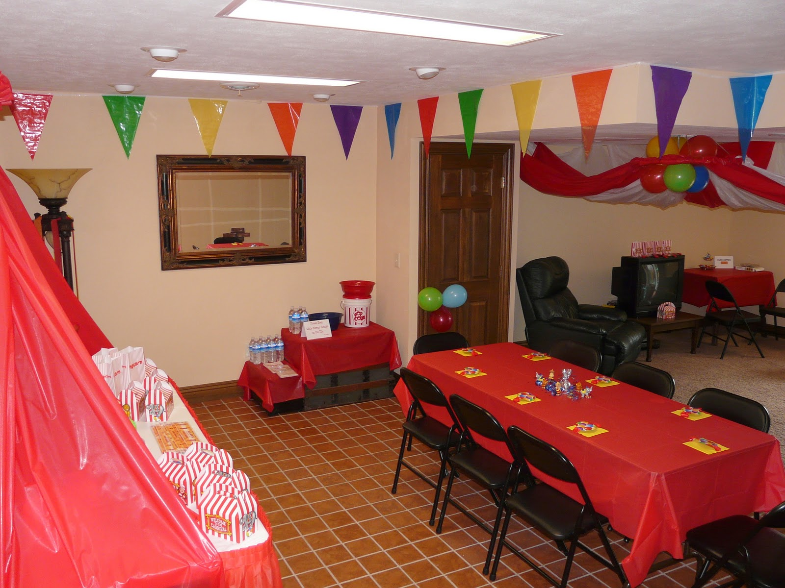 A circus birthday party part one decorations for Decoration ideas