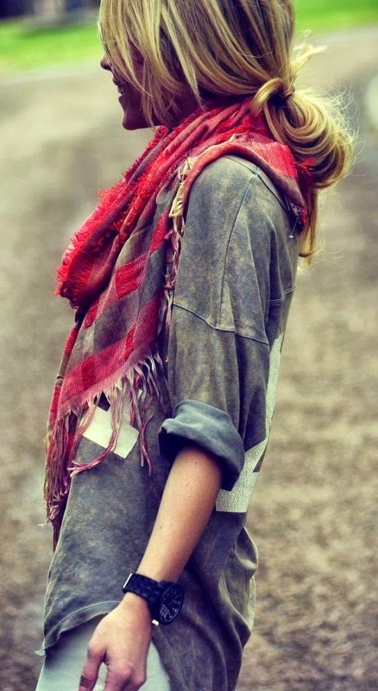 Plaid scarf, lounge shirt with light skinnies.