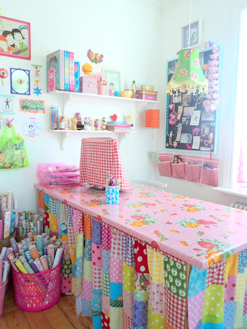 Hobby+room+with+patchwork+desk+skirt