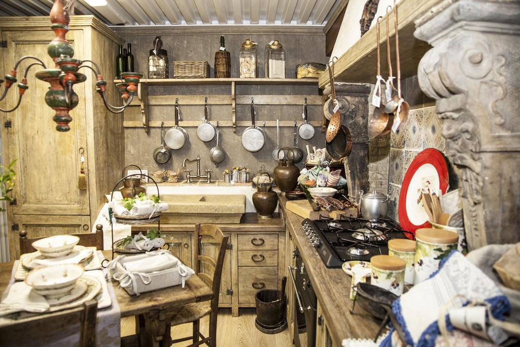 Cucine country romanticamente vintage lo stile un gioco for Utensili cucina online shop
