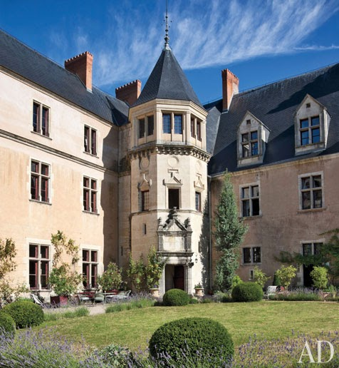 New home interior design a restored french ch teau for Chateau home designs