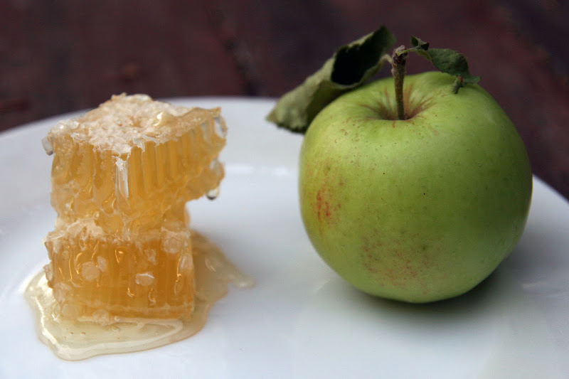 Apple and Honey Desserts title=