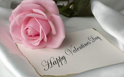 Postal de Rosa con el mensaje 'Feliz Día de San Valentín'
