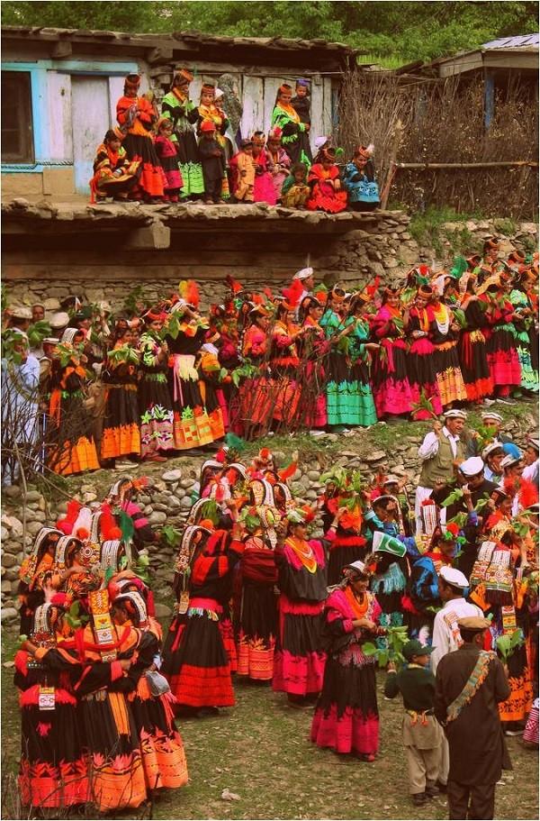 bộ tộc người đẹp như Tây ở châu Á 14