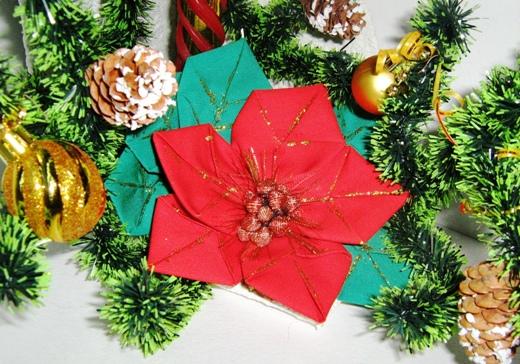 Пуансетия - оригами из ткани