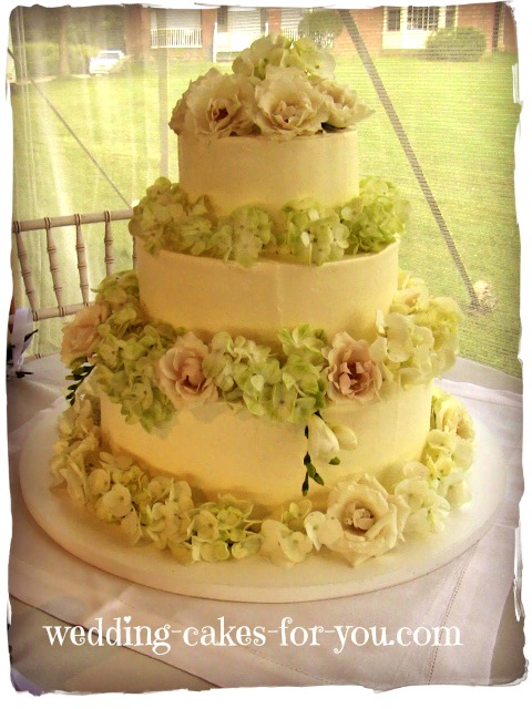 Wedding Cakes For You: Miniature Cupcakes and Brownies For A Country ...