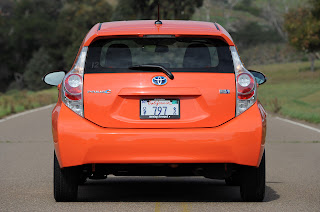Cars.com calls out Consumer Reports over Toyota Prius C verdict