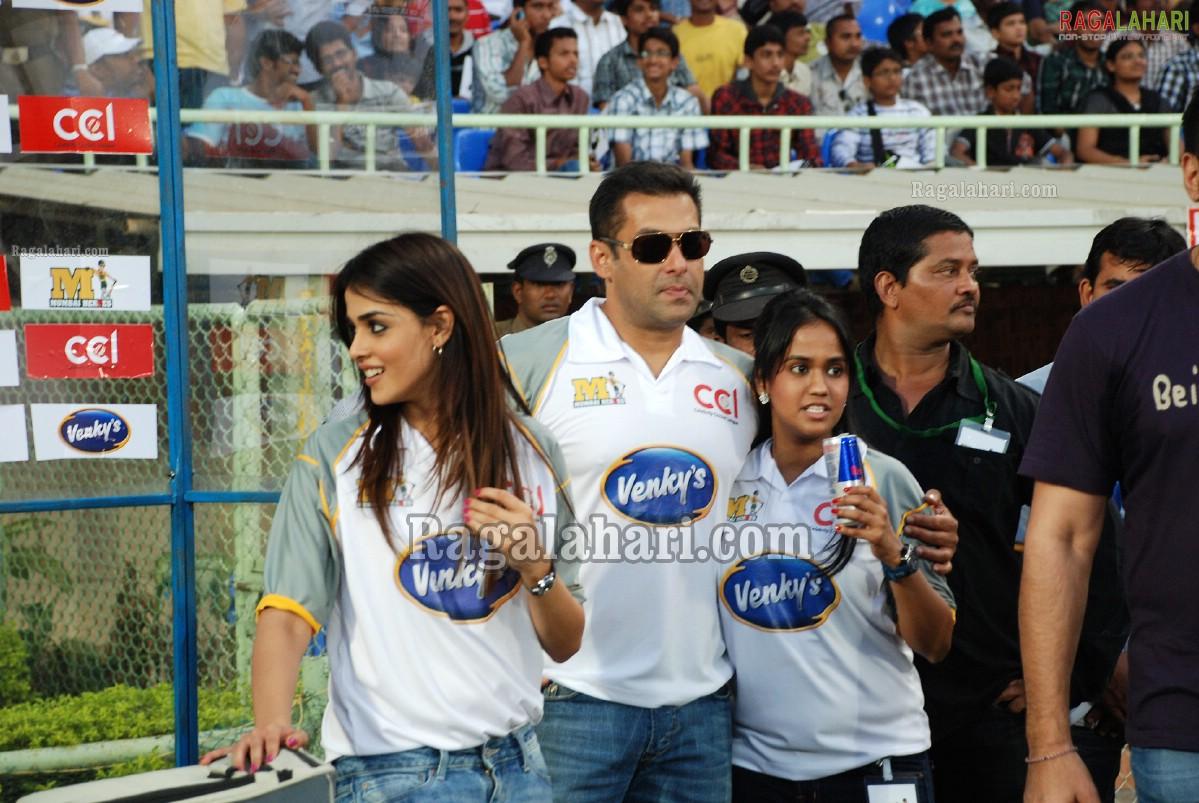 http://4.bp.blogspot.com/-d5_HpQvNPrw/TXTV-BmJHhI/AAAAAAAAePA/vXG3RuQTY0Q/s1600/celebrity-cricket-league-32.jpg
