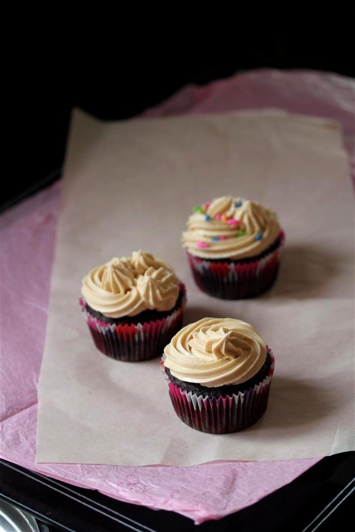 Kitchen Grrrls.: Vegan Chocolate Cupcakes with Mocha Frosting