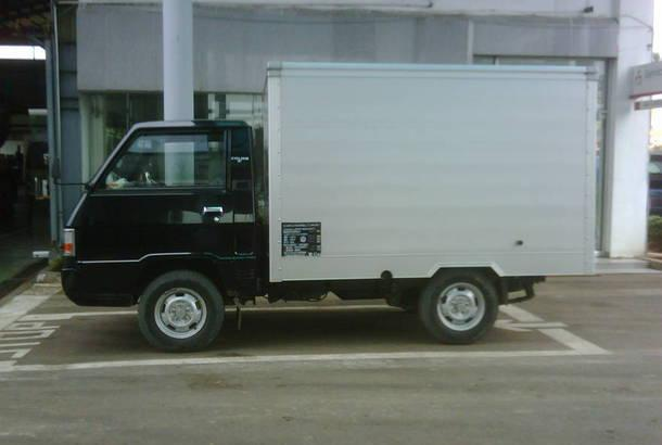 Dengan Armada L 300 Box Kami Logistik Anda Akan Lebih Aman Dan Terhindar Dari Panas Hujan Serta Rapih Mempermudah Untuk Membawa