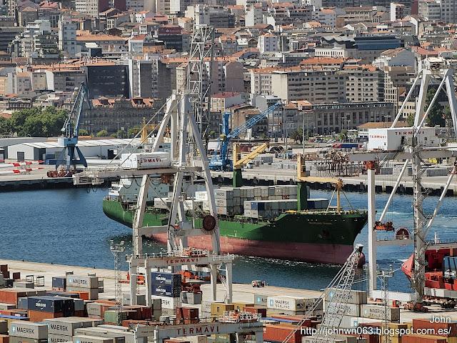 fotos de barcos, imagenes de barcos, helgoland trader, container ship, containero, vigo