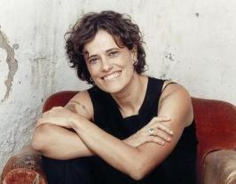 Zélia Duncan canta música de Tito em Sangue Bom