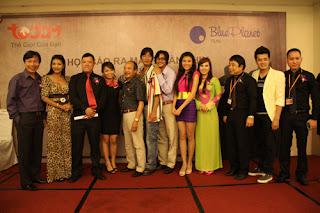 Phim Song Hùng Kỳ Dị 2011 Online