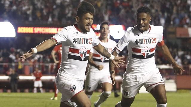 """Em noite de Rogérios e com time """"remendado"""", São Paulo vence o Inter"""