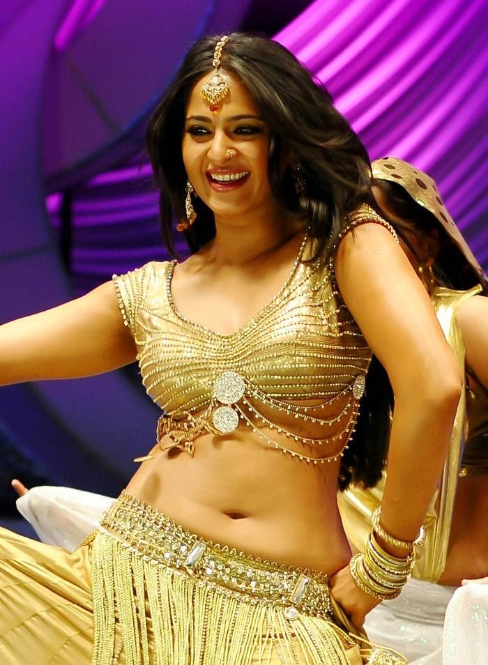Indian Hot Actress: Anushka Shetty Hot & Unseen Stills